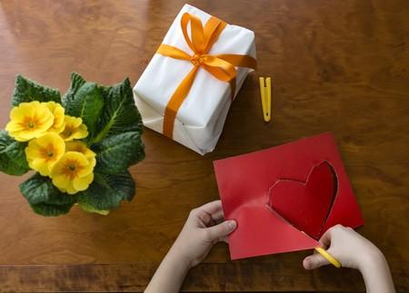 Guía de compra de regalos tecnológicos para el día de la madre: 45 ideas y detalles por menos de 50 euros
