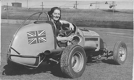 Fay Taylour fue una reina de la competición: 'peligrosa' en el trazado pero más aún por su afinidad con Hitler