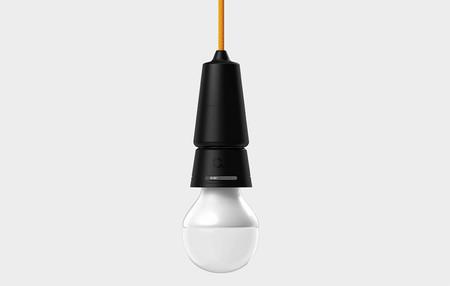 Este adaptador para las bombillas de casa puede ayudarte a conseguir tener tu hogar controlado