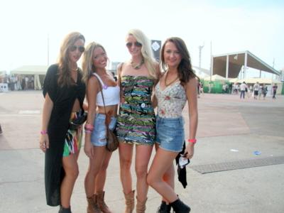 Mucha variedad de estilos en los looks del segundo día en el  Primavera Sound 2012