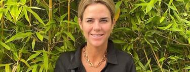 Amelia Bono defiende el look infalible veraniego con short vaquero y sandalias doradas