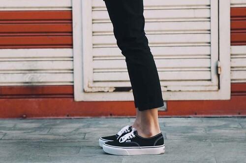 Las mejores ofertas de zapatillas hoy: Adidas, New Balance y Converse más baratas