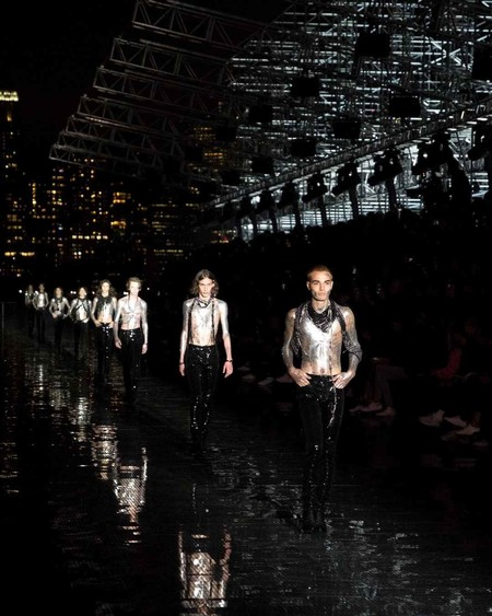 Cuando el rock adoptó el western: Saint Laurent abre la temporada de desfiles en Nueva York