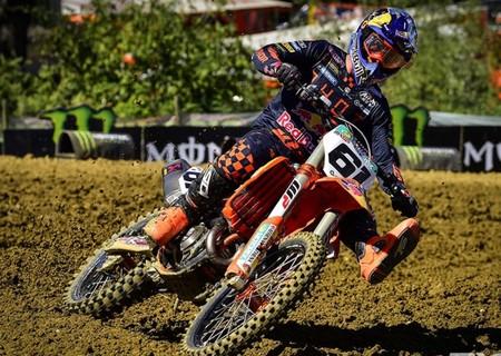 ¡Histórico! Jorge Prado gana su primer MXGP tras acabar segundo en las dos mangas de Faenza
