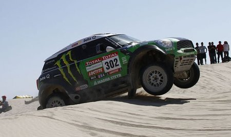 peterhansel-dakar-2012-1.jpg