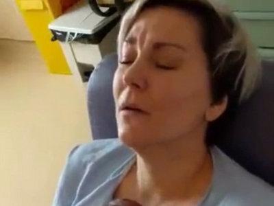 El vídeo del momento exacto en que una madre se enamora por siempre de su bebé prematuro