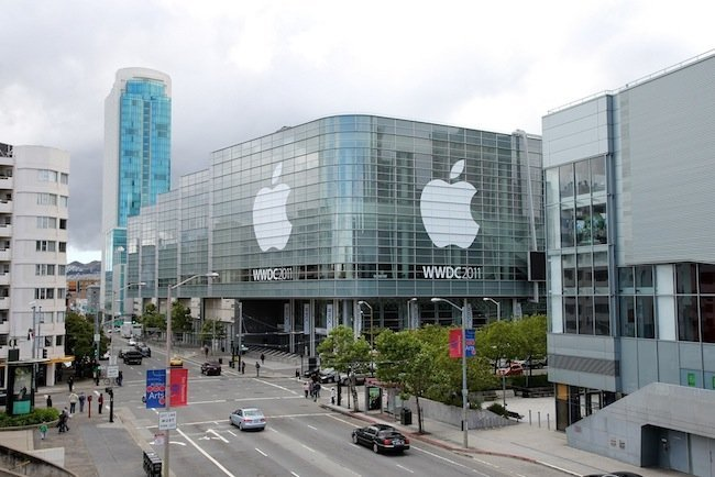 wwdc2011-moscone-center-aps.jpg