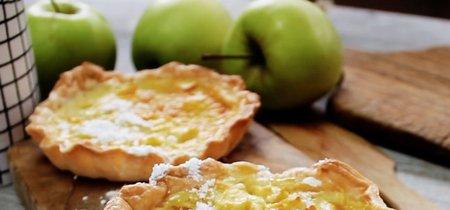 Tartaletas de chocolate blanco y manzana. Receta de postre en video