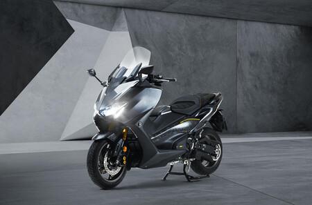 Yamaha TMAX 20º Aniversario 2021: oda al scooter deportivo en forma de edición limitada para 560 afortunados