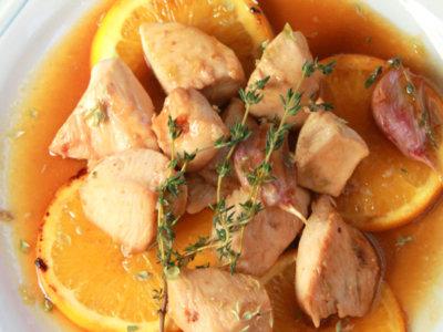 Tacos de pollo en salsa de naranja y soja. Receta para toda la familia