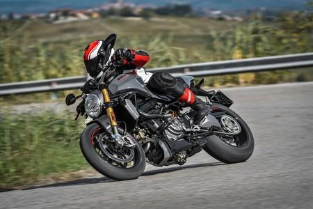 Ducati Monster 1200 2017 001