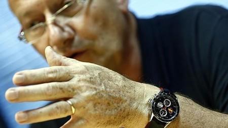 Apple sigue adelante con su iWatch, ahora reclutando a ejecutivo de TAG Heuer