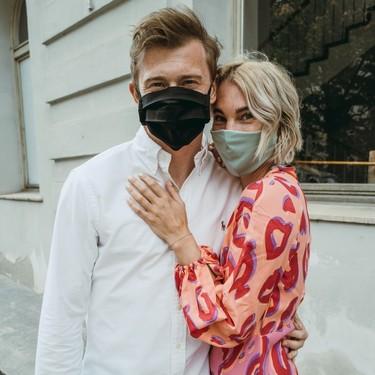 Guía para sobrellevar mejor el calor sin quitarnos la mascarilla: cuál es más transpirable, cuál filtra más y otros consejos