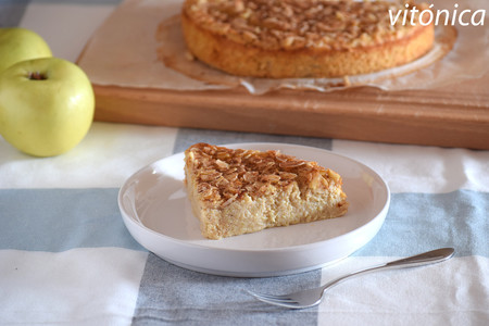 Pastel fitness de manzana, avena y almendra