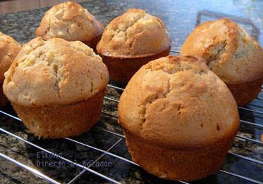 Muffins de durazno al cardamomo