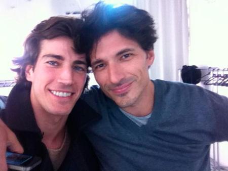 Andrés Velencoso y Oriol Elcacho trabajando juntos