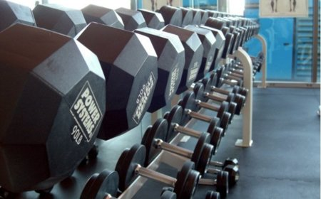 Introduce las pesas en tu entrenamiento quemagrasa