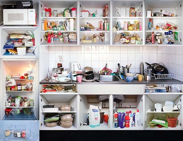 Kitchen portraits conoce a las personas por su cocina for Ordenar armarios cocina