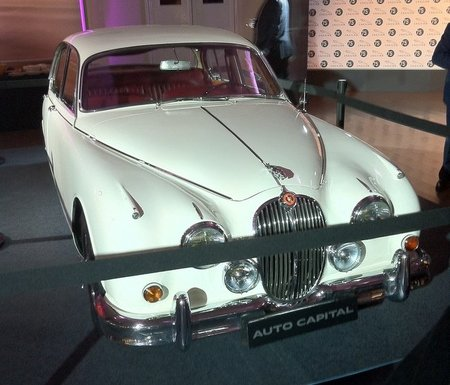 Jaguar Mark II frontal.