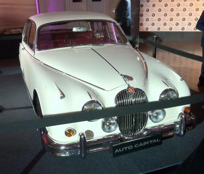 Jaguar Mark II frontal.