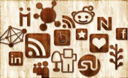 No usar el correo electrónico para comunicarnos con nuestros seguidores en las redes sociales