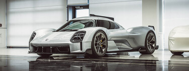 Esta maravilla es una versión de calle del Porsche 919 LMP1, uno de los 15 prototipos secretos de Porsche que acaban de salir a la luz