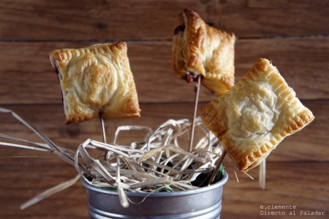 Piruletas de Camembert y frambuesa