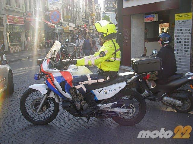 policia-amsterdam.jpg