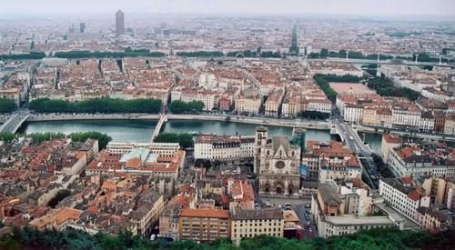 Ruta interrail a Lyon: 24 horas para descubrir Lyon desde las alturas