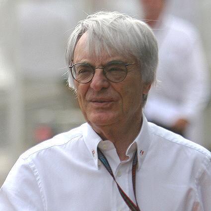 Bernie Ecclestone quiere presionar para que Stefan Grand Prix esté en la parrilla de 2010