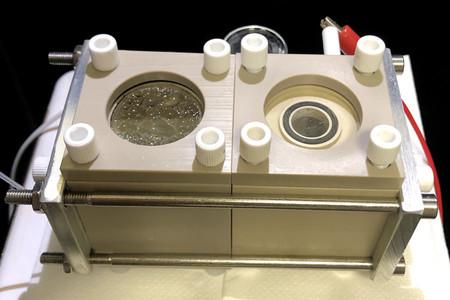 Este sistema híbrido de bacterias y nanocables puede transformar el CO2 en componentes orgánicos