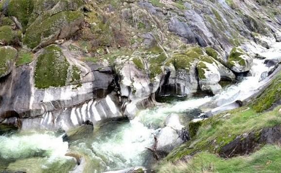 La Garganta del Infierno y las piscinas naturales del entorno del ...