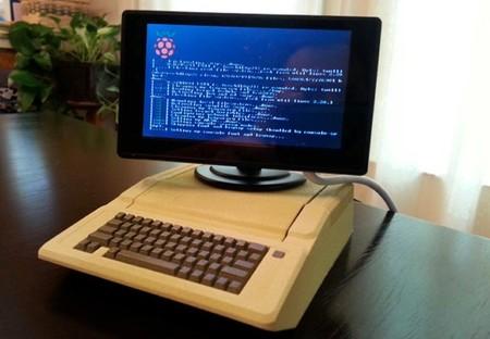 Una caja con forma de Apple ][ para la Raspberry Pi