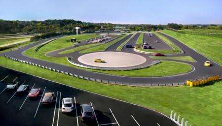 Así es el nuevo cuartel general de Porsche Norteamérica: sede, circuito, museo, restaurante...