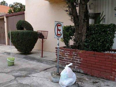 Reservar lugares en la calle... ¿delito o derecho de vecinos y automovilistas?