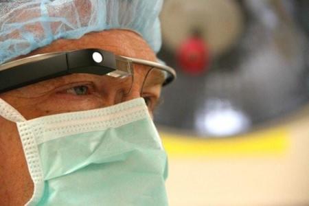 El futuro de la cirugía pasa por Google Glass según Philips y Accenture