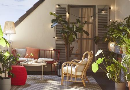 La vida en el balcón: cinco planes y recetas para celebrar el buen tiempo al sol y sin salir de casa