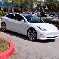 La función que permite a los coches de Tesla aparcar y desaparcar solos podría ser investigada por las autoridades de EEUU