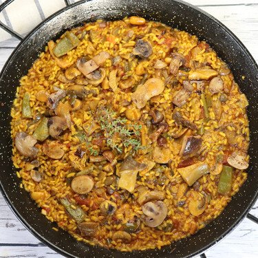 Receta de arroz con setas, sabroso y sencillo, elaborado en paella