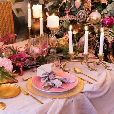 Sorprende a tus invitados:  9 consejos para poner una mesa de Navidad en rosa