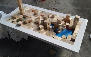 Una mesa de centro para el salón o un juego de niños