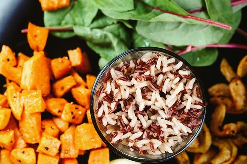 Dieta disociada para adelgazar: lo que dice la ciencia sobre la dieta más buscada