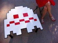 Mesa inspirada en los fantasmas de Pacman