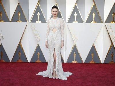 Rooney Mara, espectacular con un vestido de Givenchy en los Premios Oscar 2016