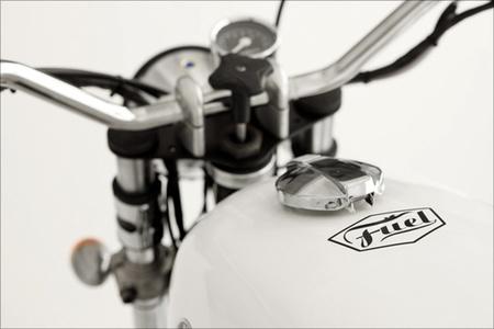 Detalle Fuel en R 100 Tracker