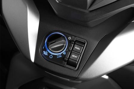 Honda Forza 300 2018 011