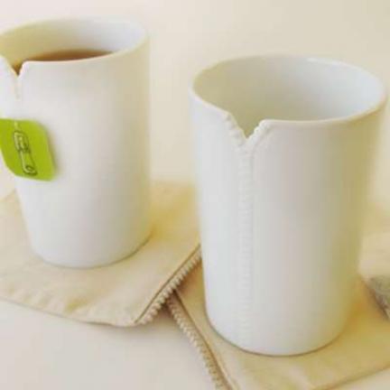Unas tazas con cremallera, para tomar el té