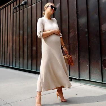 Looks de oficina para embarazadas que quieren mantener el estilo