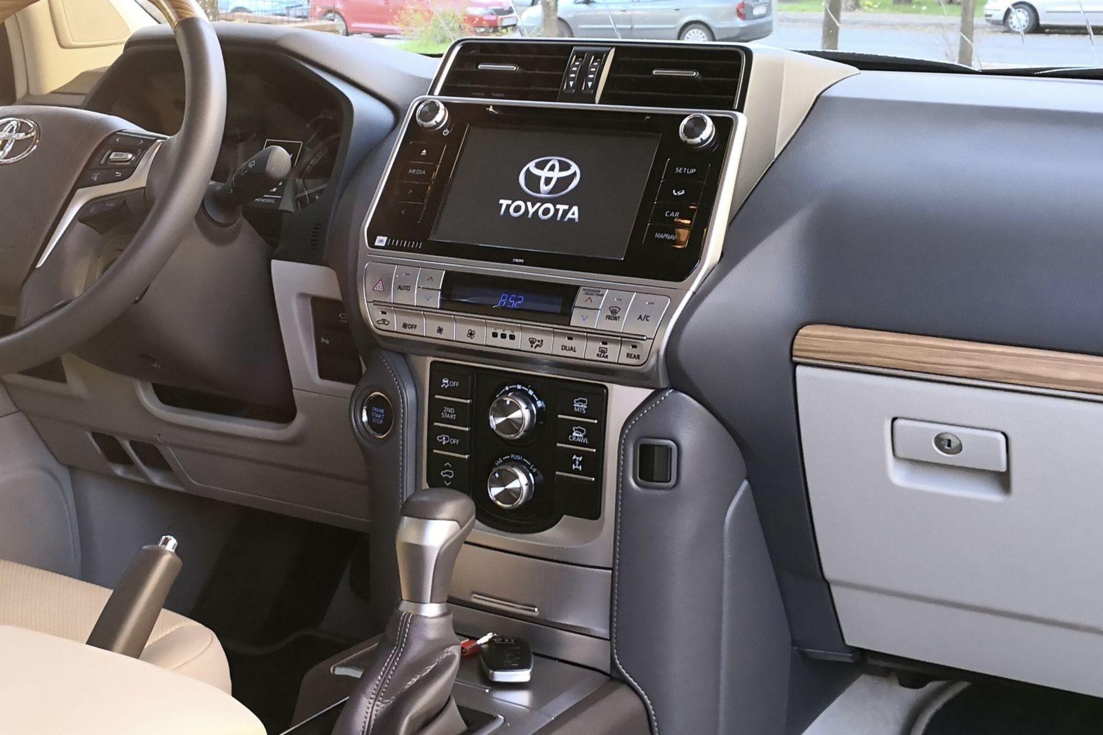 Foto de Toyota Land Cruiser Limited - Fotos interiores (8/25)