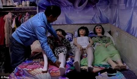 Li Chen Sex Dolls 1